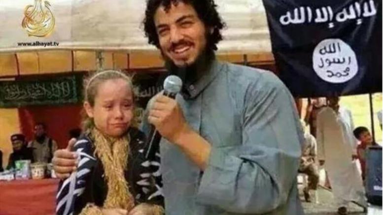 Arab-care-s-a-căsătorit-cu-o-copilă-de-7-ani-777x437
