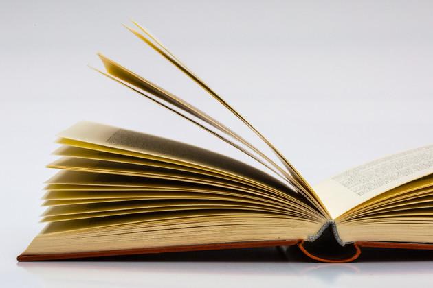books-683897-1920