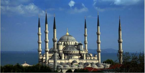 Blaue-Moschee2_Aydin-Sertbas-e1352208069299-590x300