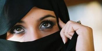 musulmanii-din-marea-britanie-abuzati-fizic-si-verbal-de-catre-persoane-rasiste-atacurile-asupra-persoanelor-de-religie-musulmana-s-a-marit-cu-300-dupa-atentatele-din-paris-166005