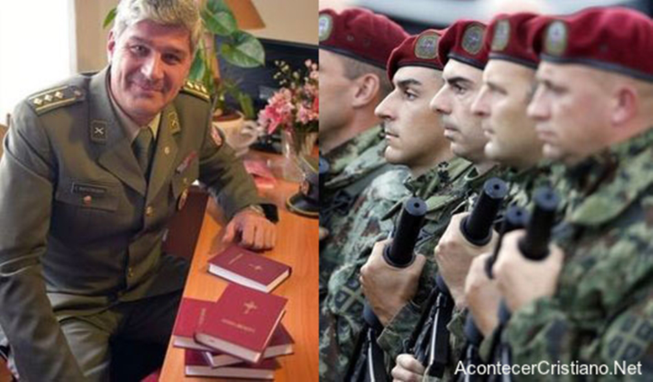 soldados-reciben-biblias