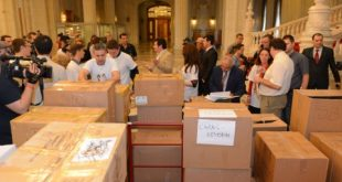 3.000.000 de semnături pentru familia tradiţională. Au spus NU căsătoriilor gay