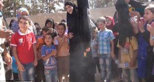 Femeile musulmane ard burka după eliberarea orașului de sub Statul Islamic de către forțele siriene