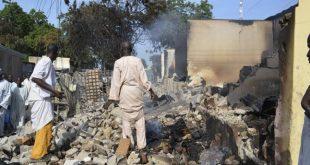 NIGERIA – Șaptezeci de case incendiate de Boko Haram, șase oameni răniți