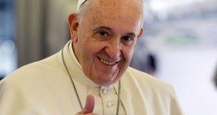 "Papa Francisc declara vinul o necesitate: ""Imaginati-va cum ar fi sa incheiati petrecerea band ceai…"""