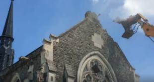 In Franta progresista se construiesc moschei si se darama biserici…