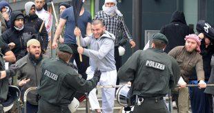 Islamul pune STĂPÂNIRE pe Germania lui Merkel. Mai vrem MEGA-MOSCHEE?