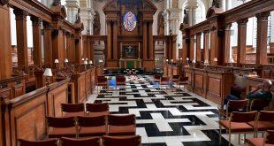 """Un număr alarmant de britanici se declară a fi """"fără religie"""""""