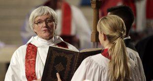 """În Suedia Dumnezeu va fi și """"Mamă"""" și """"Tată"""", sau va pierde apartenența de gen"""