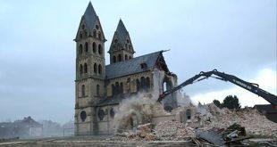 Germania se ia la întrecere cu Franța in demolarea bisericilor