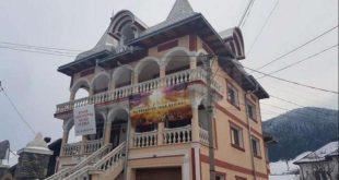 Un român îşi vinde casa în schimbul a 100.000 de Biblii