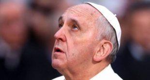 """Papa Francisc spune ca """"Tatal Nostru"""" a fost tradusa gresit, inclusiv in romaneste. """"Nu ne duce pe noi in ispita"""" – nu este corect"""