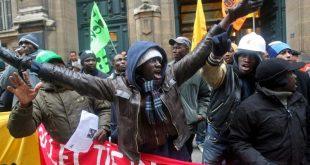 Franta: Basilica Saint-Denis invadata de imigranti (VIDEO)