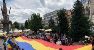 """Noua Dreaptă, miting pentru familia tradiţională şi împotriva marşului homosexualilor, s-a strigat """"Cluj-Napoca nu-i Sodoma"""""""
